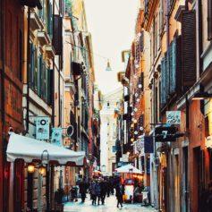 Lavoro di volantinaggio a Roma per studenti