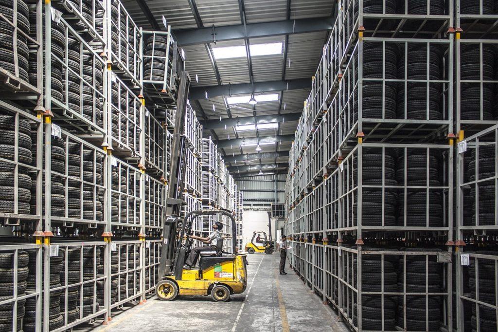 Scaffalature industriali: i modelli in commercio
