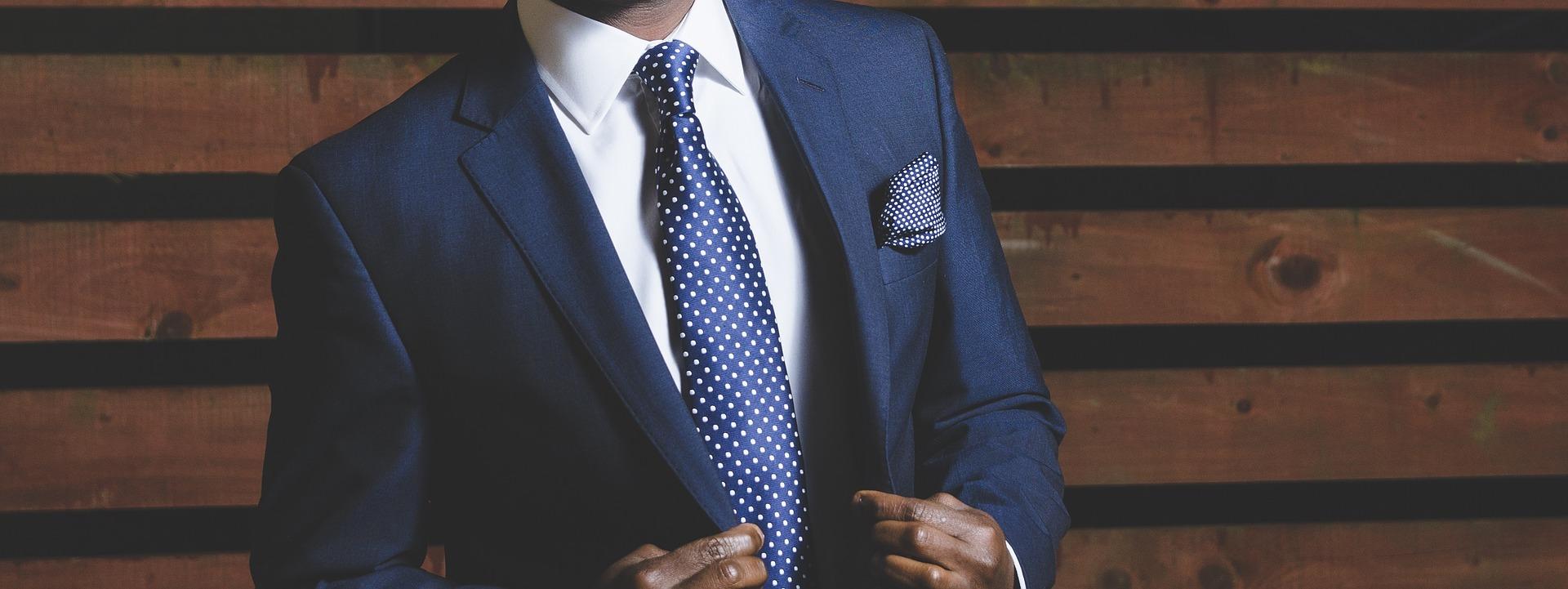 Come si indossa la cravatta?